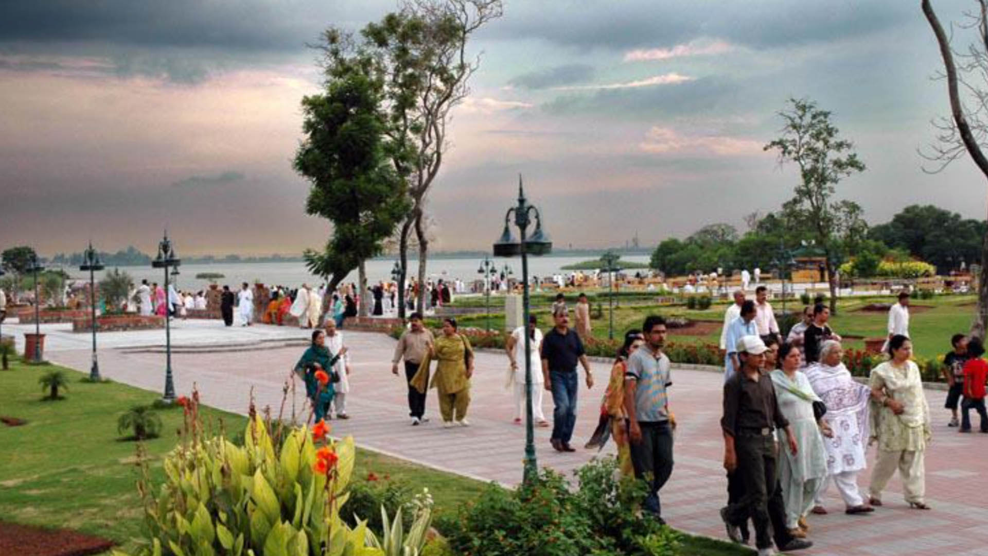 Islamabad City - A Hub of Gardens And Parks- Lake view park Islamabad- Mk Marketing